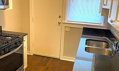 Kitchen, 4716 N Racine Ave 3-E, 1