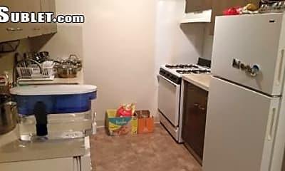Kitchen, 1984 Traver Rd, 1