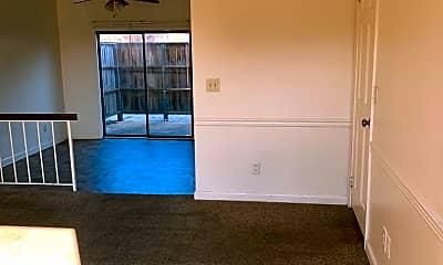 Living Room, 400 Forrest Blvd, 1