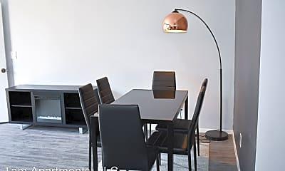 Living Room, 2408 Tam Dr, 2