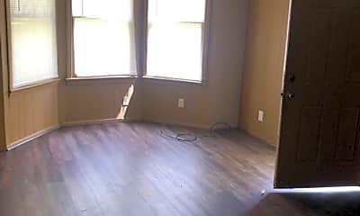Living Room, 1501 Belwood St, 2