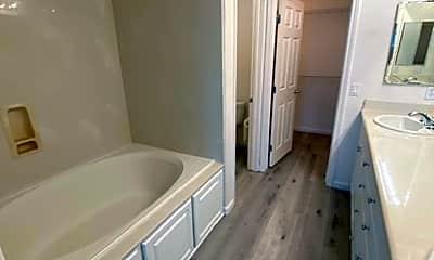 Bathroom, 46 Meritage Common, 2