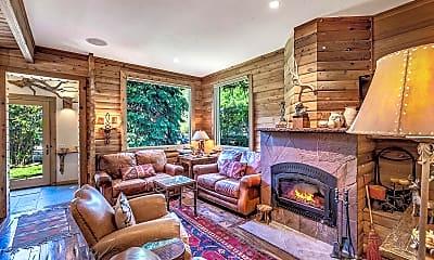 Living Room, 43 Smuggler Grove, 1