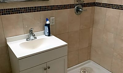 Bathroom, 585 60th St 5, 2
