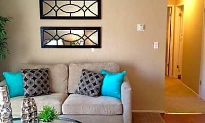 Living Room, 1333 Arlington Blvd, 2