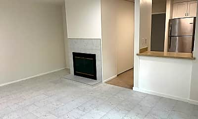 Building, 375 Camelback Rd, 1