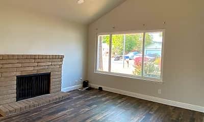 Living Room, 9462 Roseburg Ct, 1