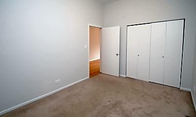 Bedroom, 711 N Hoyne Ave, 1