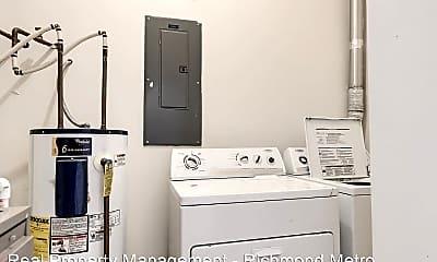 Bathroom, 300 W Clay St, 2
