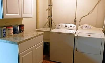 Bathroom, 5203 N Potomac Run, 2