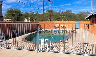 Pool, 2861 N Columbus Blvd, 2