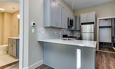 Kitchen, 1034 N Paulina St, 1