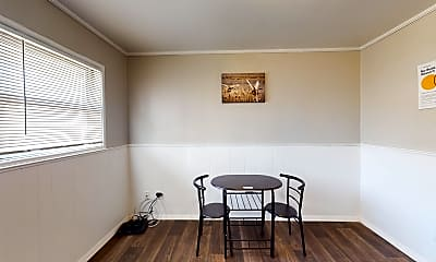Room for Rent - Live in Forest Park, 0
