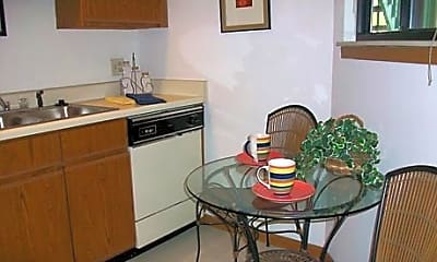 Country Trace Apartments, 1