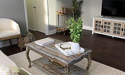 Living Room, 420 Walnut Ave, 1