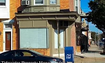Bedroom, 643 S Potomac St, 2
