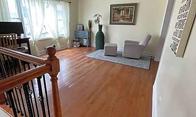 Living Room, 123 Mill Race Dr, 1