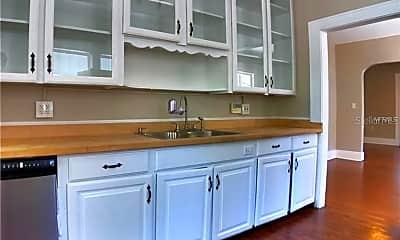 Kitchen, 627 N Hyer Ave, 2