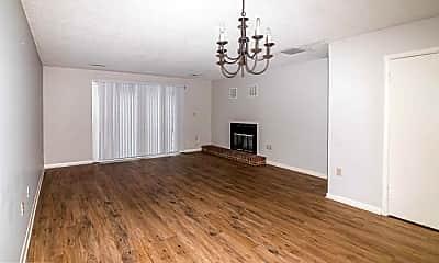Living Room, 702 N Spence Ave, 1