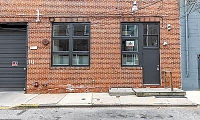 Building, 810 N Hancock St 2, 0