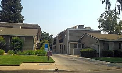 HeatherWoods Apartments, 1