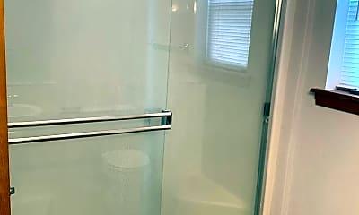 Bathroom, 503 S Delaware St, 2