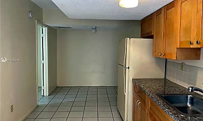 Kitchen, 2244 Madison St H, 1