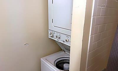 Bathroom, 40 Silver Hill Ln, 2