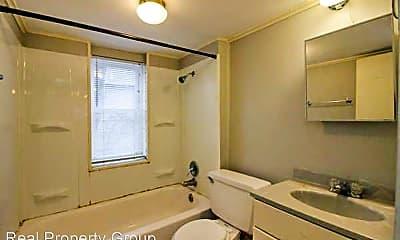 Bathroom, 407 Pershing Rd, 2
