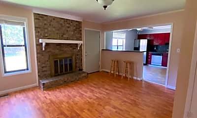 Living Room, 6681 Vaughn Rd, 2