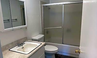Bathroom, 305 Chestnut St, 2
