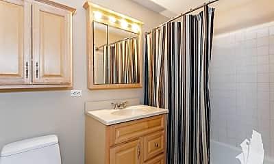 Bathroom, 525 N Ada St, 1