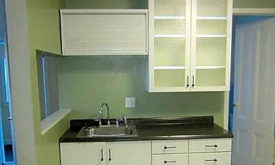 Kitchen, 180 Alexander St, 1