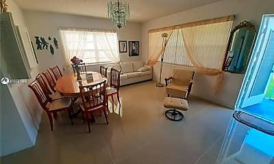 Dining Room, 308 Markham N 308, 1