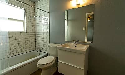 Bathroom, 116 W Avenue A, 2