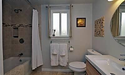 Bathroom, 409 Ashtabula St, 1