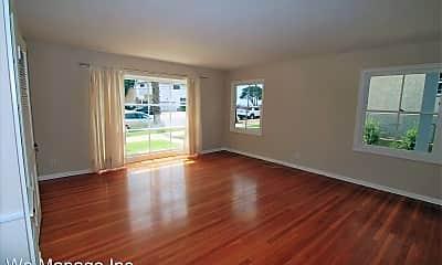 Living Room, 3637 E Ocean Blvd, 1