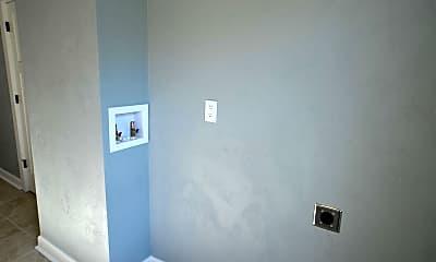 Bathroom, 906 N 17th St, 2