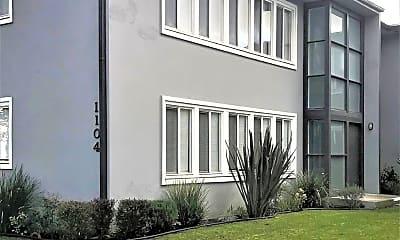 Building, 1090 E San Antonio Dr, 2