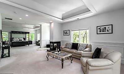 Living Room, 1347 Kirby Rd, 1