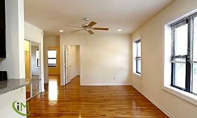 Bedroom, 4556 N Wolcott Ave, 1