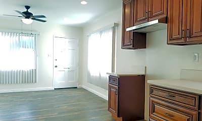 Kitchen, 1337 W 93rd St, 1