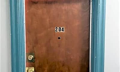 Bathroom, 130 S Coronado St 204, 1