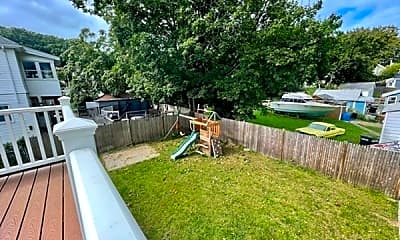 Patio / Deck, 20 Hillview Ave 2, 2