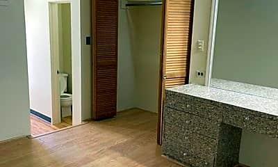 Bedroom, 1424 Ward Ave, 1