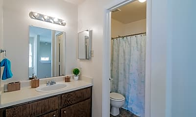 Bathroom, Hawthorne at Oak Ridge, 2