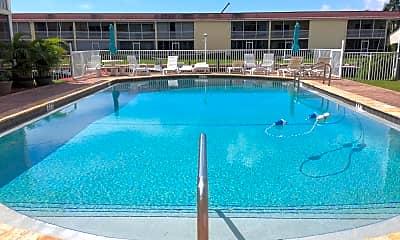 Pool, 121 Wettaw Ln 111, 2