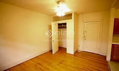 Bedroom, 1100 W Roscoe St, 0