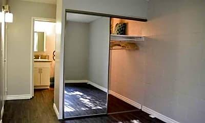 Bedroom, La Villa Lake - Senior Living 55+, 2