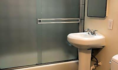 Bathroom, 3018 Fulton Street, 2